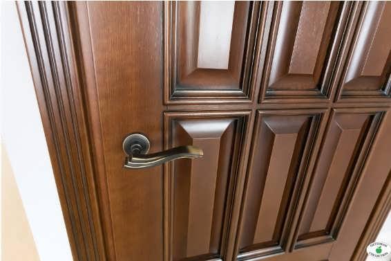 Филенчатые деревянные межкомнатные двери фото