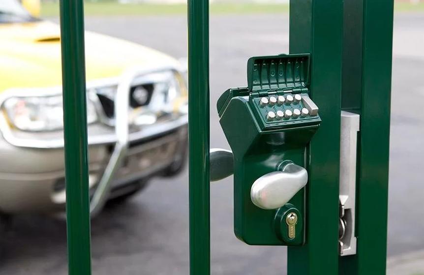 Механический кодовый замок на калитку для входной двери