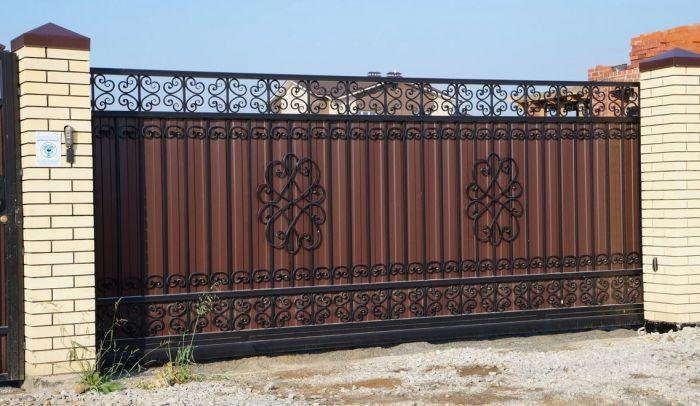 металические откатные ворота
