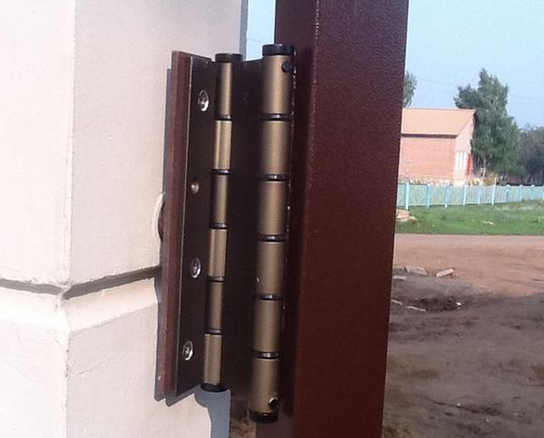 прочные петли для ворот и калиток