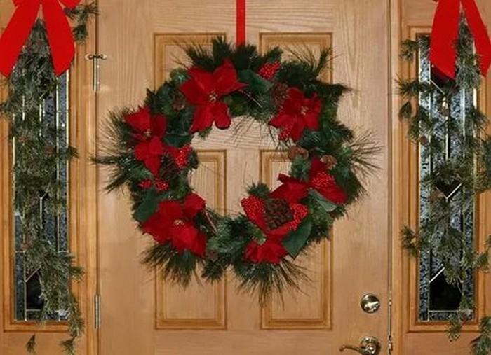новогодняя композиция на дверь