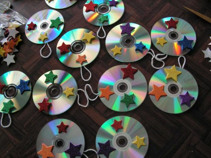 Декор двери из компакт-дисков